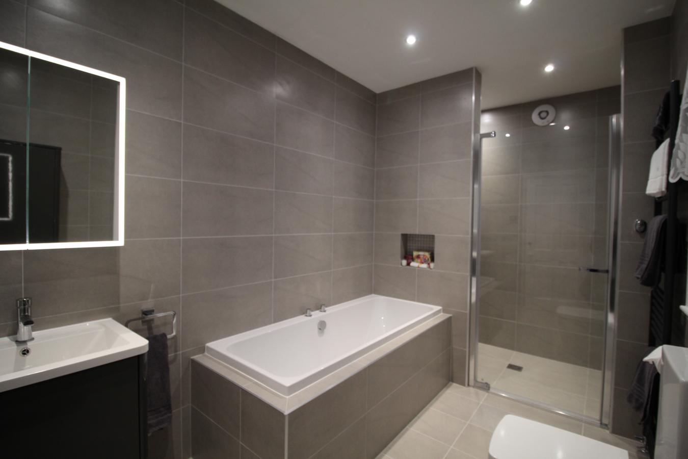 classic bathroom designers